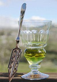 Glass_of_absinthe